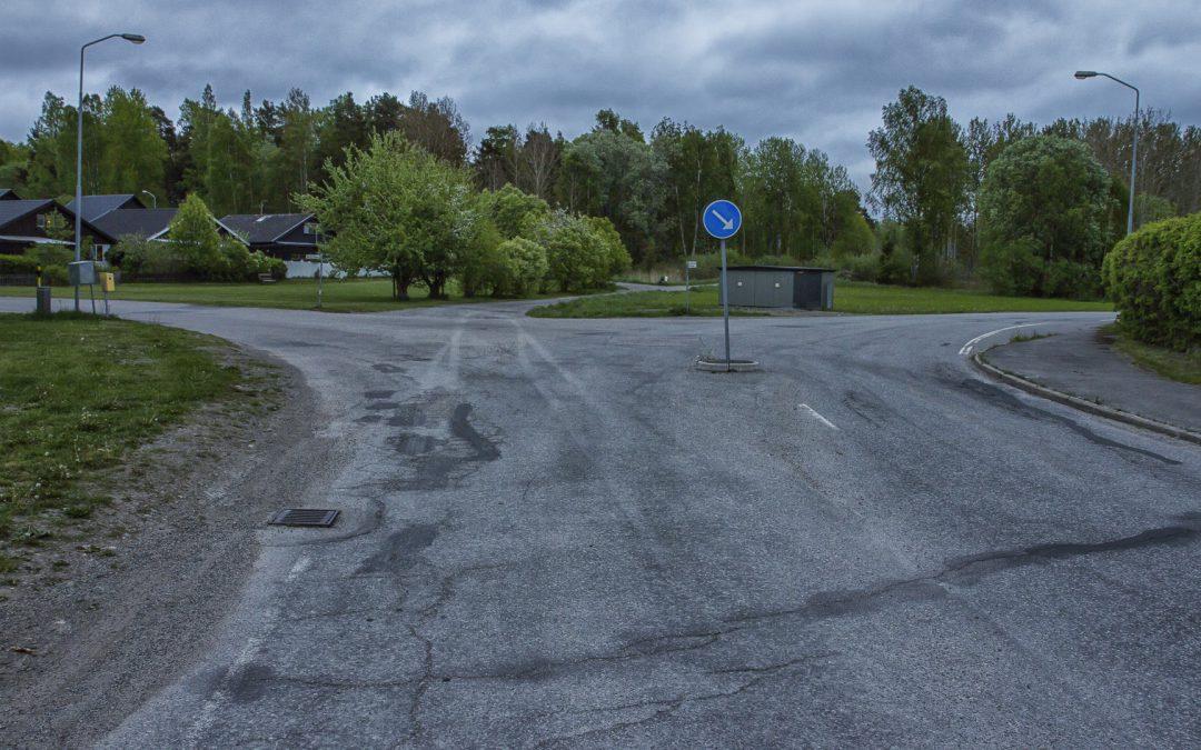 Omläggning asfalt och målning av linjer